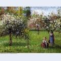 Apple blossoms eragny
