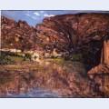 Petit village au pied de la falaise