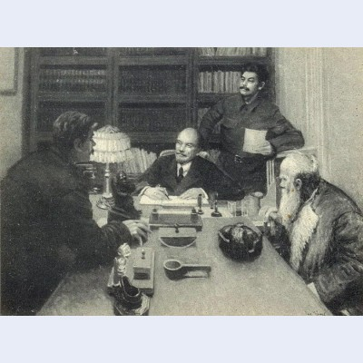 Lenin and stalin talking to peasants