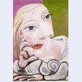 Marie therese leaning 1939