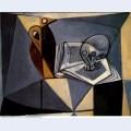 Crane et livre tete de mort et livre 1946