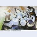 Femme nue couchee jouant avec un chat 1964